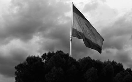 Bandera plaza de Colón