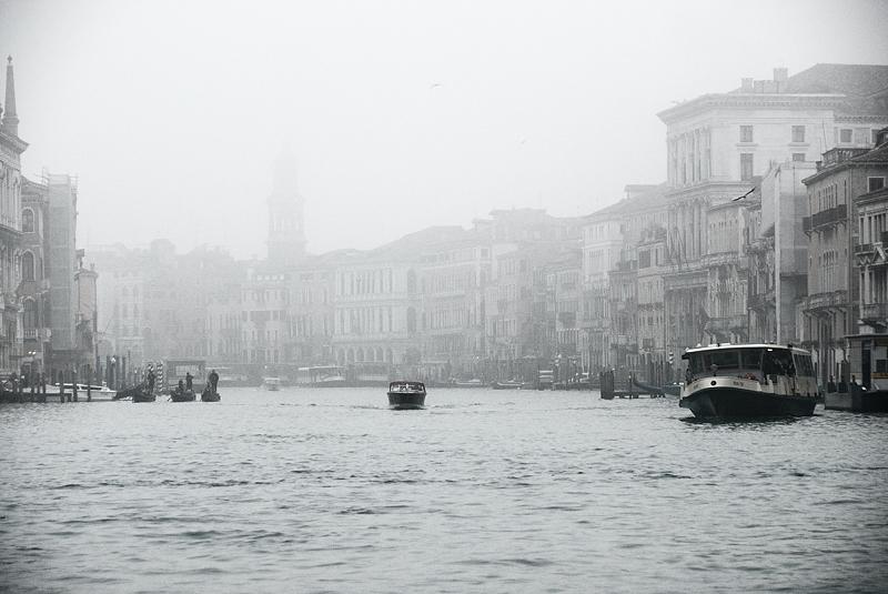 Gran canal en la niebla. enero 2011
