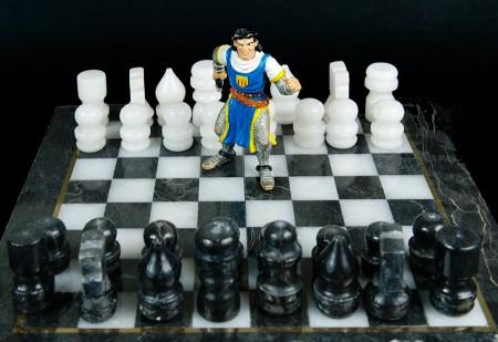 Blancas, juegan y ganan. abril 2013