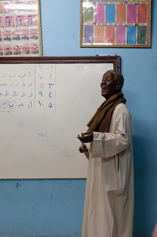 Profesor poblado nubio, enero 2015