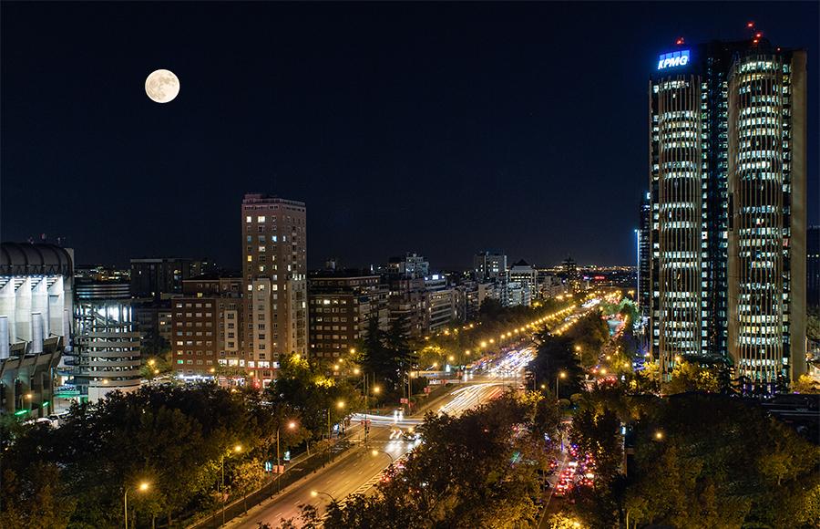Luna sobre Madrid, noviembre 2015