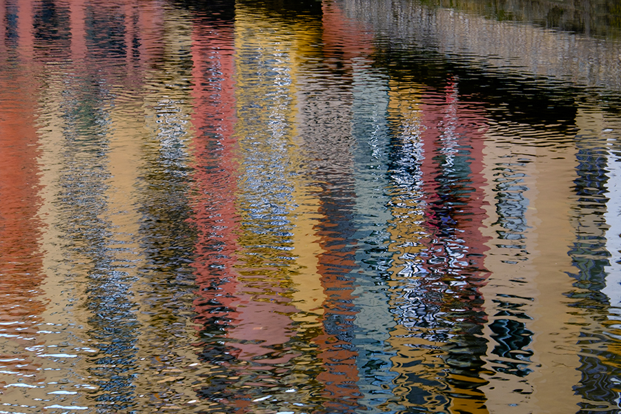 Reflejos de colores. Girona, marzo 2016