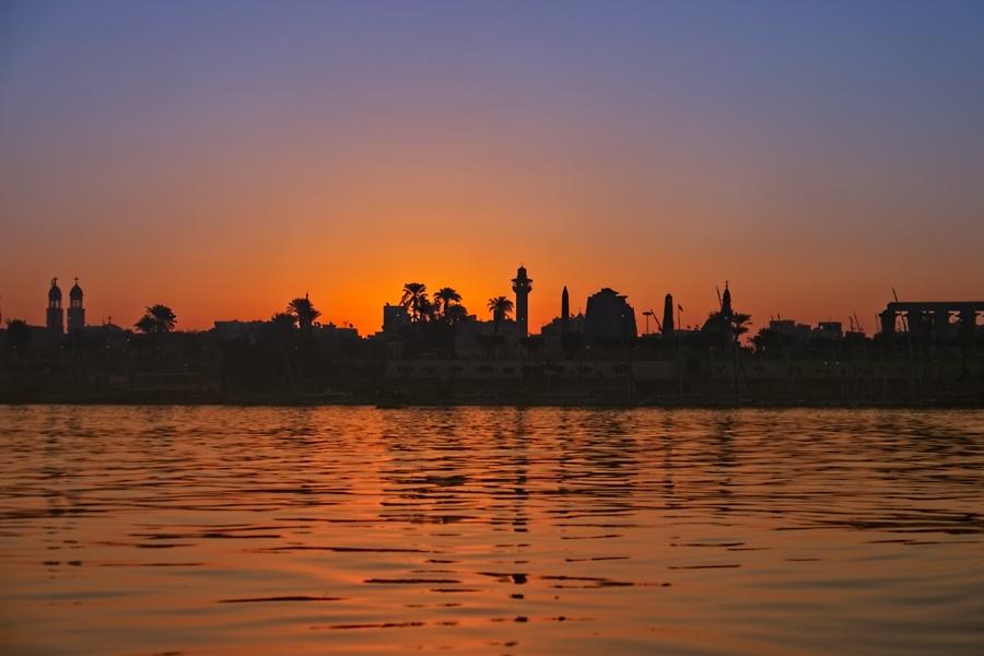 Amanecer en Luxor, diciembre 2014