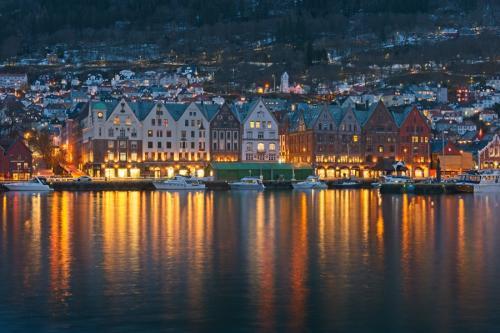 Bryggen, nocturna